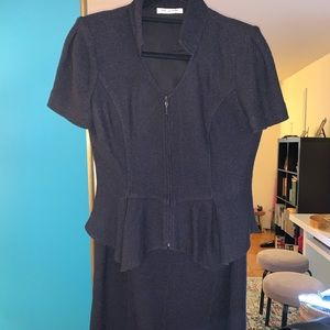 St John Black Milano Knit 2-Piece Skirt Suit. Sz 4